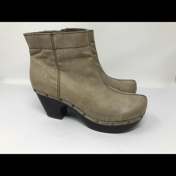 58d5fad7b1c3 BC Footwear Shoes - BC Platform Ankle Boots Women s SZ 10